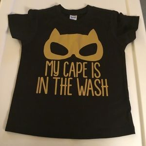 """""""MY CAPE IS IN THE WASH"""" Boys Black T-shirt 3T."""